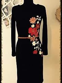 Chic belt dress